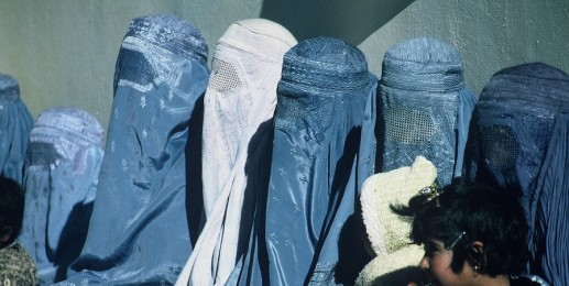 Group_of_Women_Wearing_Burkas